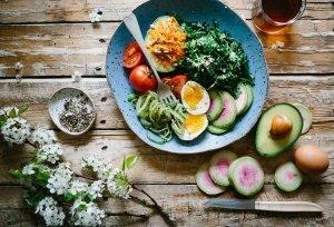 ejercicio, dieta saludable y Artiseid Dinamika Woman